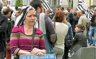 Près de 200 manifestants bretons se sont réunis mardi devant la préfecture.