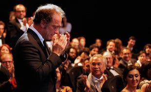 Le 24 mai 2015, Vincent Lindon reçoit, très ému, le prix d'interprétation masculine au Festival de Cannes pour sa prestation dans «La loi du marché».