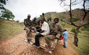Quatorze des 29 employés chinois enlevés samedi par des rebelles du Kordofan-Sud, au Soudan, ont été libérés par l'armée soudanaise, a annoncé lundi l'agence officielle SUNA.