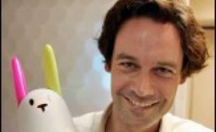 Le lapin Nabaztag, le premier objet qui communique grâce à sa liaison avec internet, s'est déjà vendu à 65.000 exemplaires depuis son lancement l'année dernière, et le petit animal français espère doubler la mise avec une version plus sophistiquée.