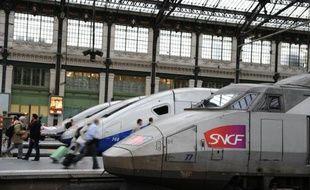 Des TGV à la gare de Lyon à Paris