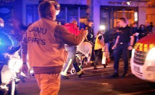 Les secours ont oeuvré tout la nuit pour transporter les blessés dans les hôpitaux.