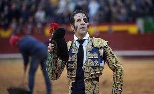 Le torero Juan José Padilla a eu une partie du cuir chevelu arraché lors d'une corrida en Espagne.