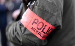 Un membre de la police municipale à Nice le 4 mars 2014