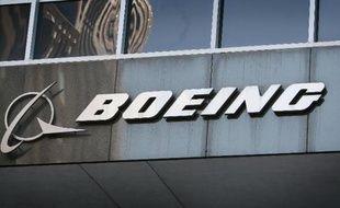 Le logo de Boeing sur les locaux de l'entreprise à Chicago, le 28 janvier 2009