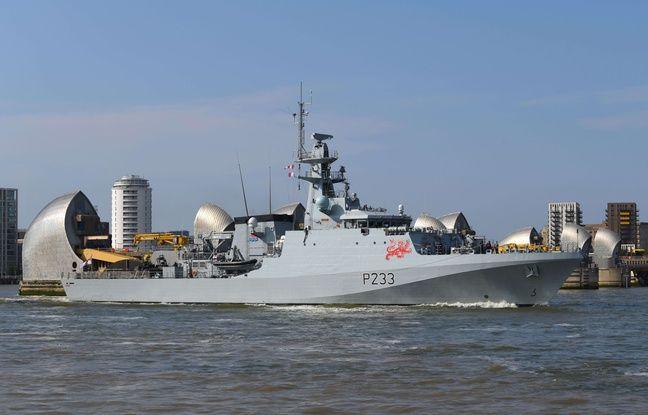 648x415 la royal navy ici le tout recent hms tamar se tient prete a affronter les chalutiers francais dans
