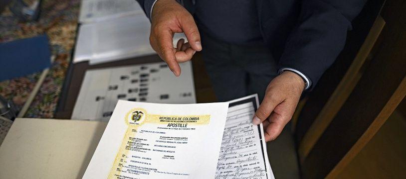 Un formulaire de demande de la nationalité espagnole pour les descendants de juifs séfarades.