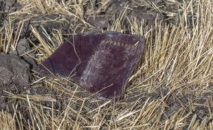 Un passeport retrouvé parmi les débris du crash d'Ethiopian Airlines.