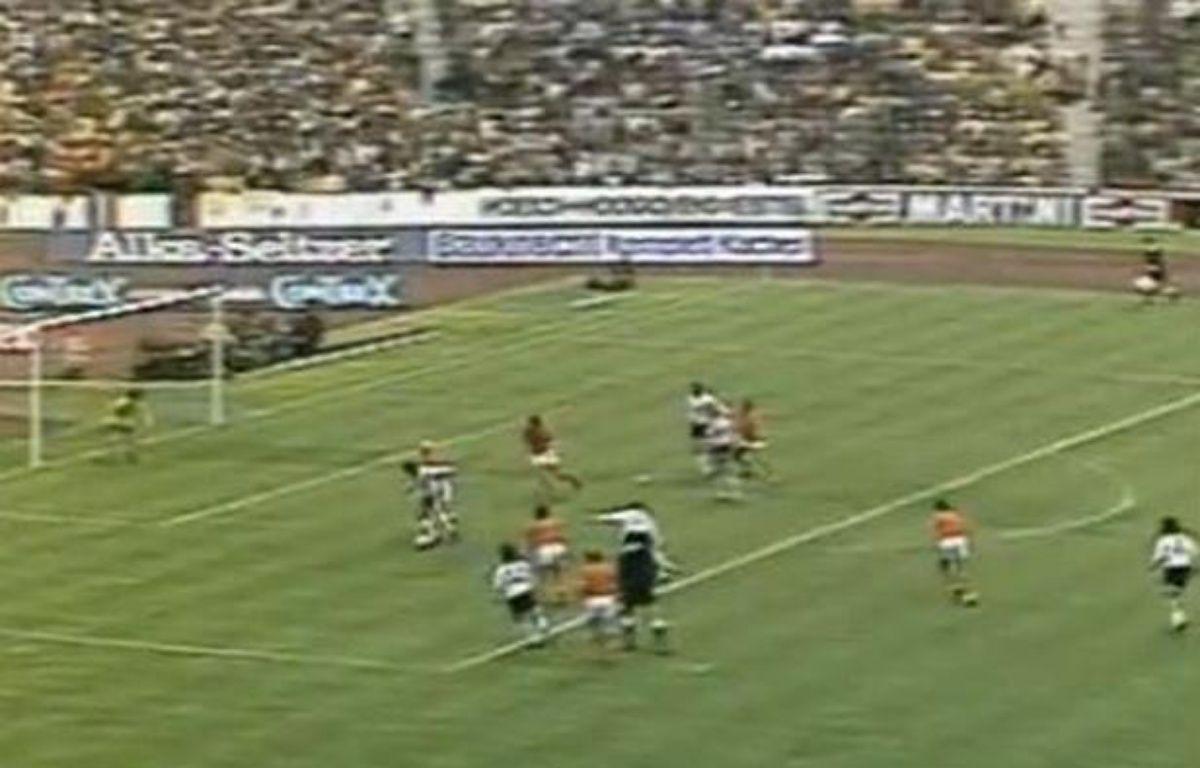 Capture d'écran de la finale du Mondial 74 entre l'Allemagne et les Pays-Bas – 20 MINUTES