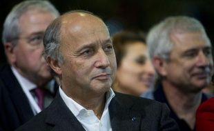 """Laurent Fabius a estimé mercredi que Nicolas Sarkozy avait manifesté une """"agressivité doucereuse"""" lors du débat télévisé de mardi soir sur France 2, où les deux hommes se sont affrontés."""