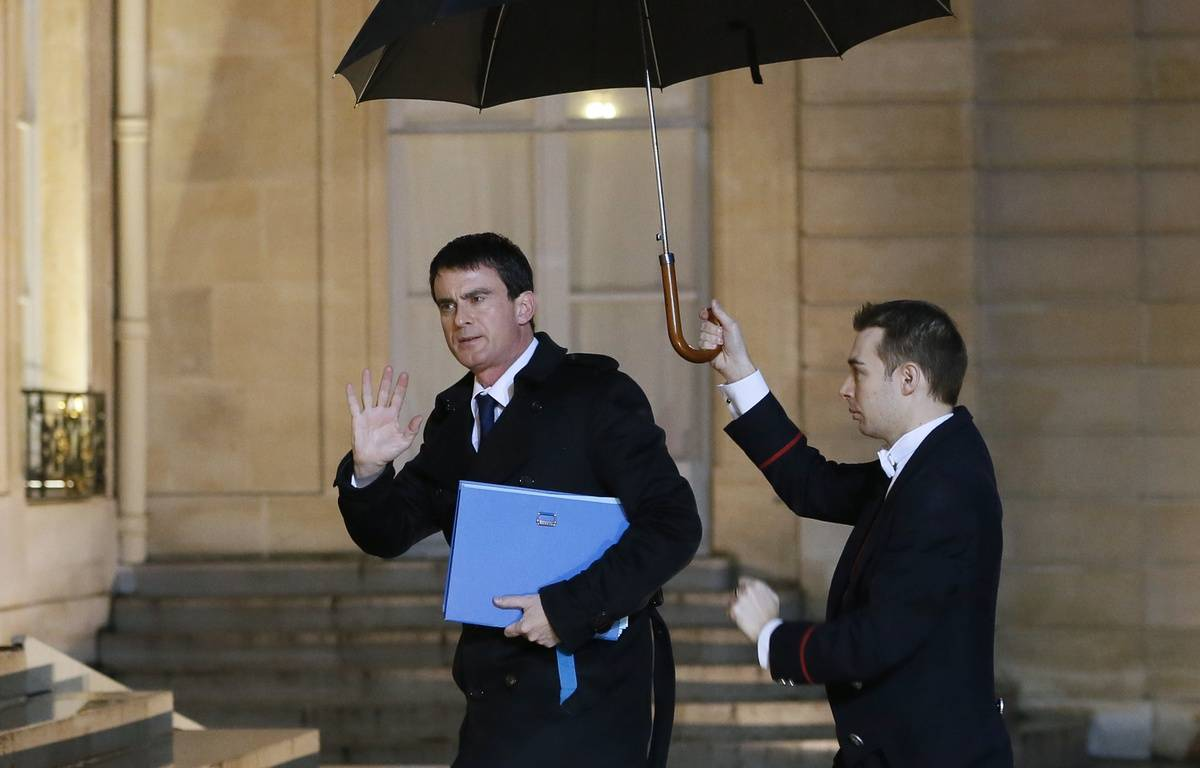 Manuel Valls arrive à l'Elysée vendredi 9 janvier 2014. – AFP