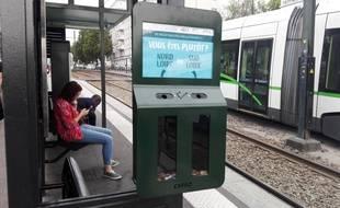 Un cendrier-sondage à la station de tramaway Du Chaffault (ligne 1).