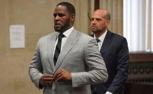 R. Kelly devant le tribunal de Chicago en 2019.