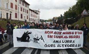 Manifestation à Bayonne le 16 septembre 2017 contre un projet de mine d'or au pays Basque