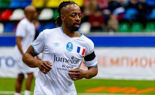 Sidney Govou en février 2020, lors d'un match de gala disputé à Moscou entre anciens joueurs français et allemands.