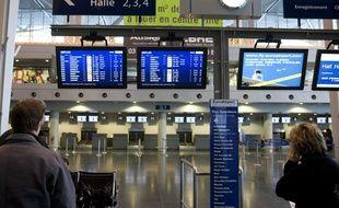 Dans le hall de l'aéroport Bâle-Mulhouse.