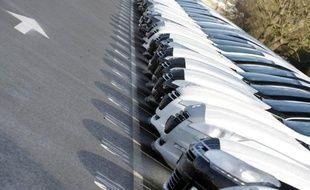 Les immatriculations de voitures neuves ont chuté de 10,2% en mars, enregistrant le 18e mois consécutif de baisse dans l'ensemble des pays de l'Union européenne, à 1,307 million d'unités, a annoncé mercredi l'Association européenne des constructeurs automobiles (Acea).