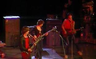 Groupe Téléphone sur la scène de l'Empire, le 7 janvier 1979. Capture d'écran de l'émission Chorus.