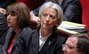 """Dimanche sur Europe 1, la ministre de l'Economie, Christine Lagarde, n'a pas mâché ses mots et exigé avec virulence que les dirigeants """"renoncent à l'attribution"""" de ces stock-options et ne se contentent pas de renoncer à les convertir en actions, comme ils l'avaient fait dans un premier temps."""