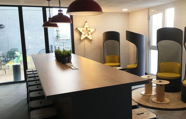 Un espace de coworking dan sla résidence Student Factory de Bordeaux.