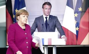 La chancelière Angela Merkel et le président Emmanuel Macron, donnent une conférence de presse commune le 18 mai sur la relance de l'Union européenne.