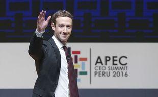 Mark Zuckerberg, fondateur et patron de Facebook, à Lima (Pérou) le 19 novembre 2016 lors d'un sommet de la Coopération économique pour l'Asie-Pacifique.
