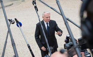 Jean-Marc Ayrault dans la cour de l'Elysée, le 11 septembre 2013.