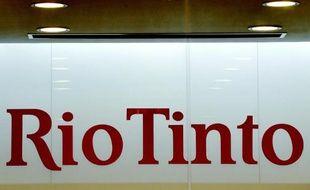 Le logo du groupe minier australien Rio Tinto, à ses bureaux de Shanghai, en 2009