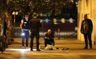 Les policiers sur le lieu de l'agression dans le XIXe arrondissement de Paris, le 9 septembre 2018.