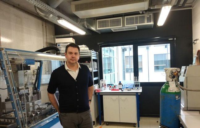 Le chercheur Jean-François dans un laboratoire de l'institut Charles Sadron à Strasbourg.