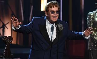 """La superstar de la pop britannique, Elton John, a annoncé mercredi la sortie le mois prochain d'un nouvel album intitulé """"The Lockdown Sessions"""". (Illustration)"""