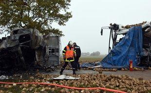 Les secours sur la RN25, entre Arras et Doullens