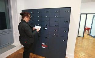 Boîtes aux lettres connectées au Crous de Strasbourg. Strasbourg le 12 04 2018.
