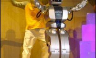 """La Corée du Sud élabore un code éthique pour les robots, afin d'éviter qu'ils soient victimes d'abus par les hommes, ou vice versa, a-t-on appris mercredi de source officielle. La """"Charte éthique des robots"""" devrait être adoptée cette année, a précisé le ministère sud-coréen du Commerce, de l'Industrie et de l'Energie."""