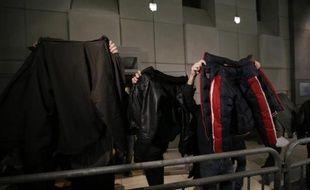 Des peines de prison avec sursis assorties d'interdiction de stade ont été infligées aux supporteurs stéphanois et niçois qui comparaissaient jeudi en correctionnelle pour des violences avant un match de football (L1) à Nice le 24 novembre.