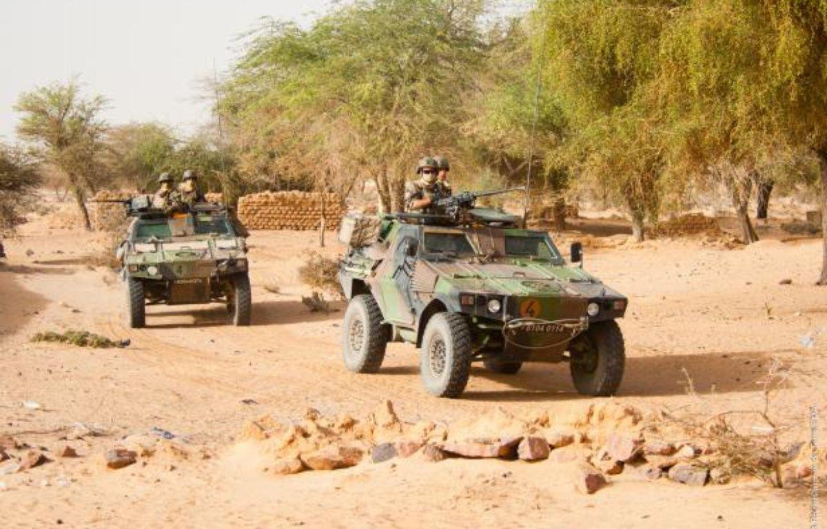 Les militaires patrouillent dans les zones désertiques du nord Mali. – EMA/Armée de terre