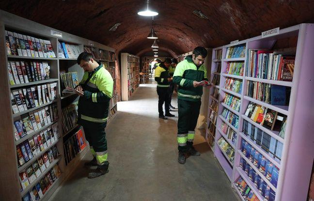nouvel ordre mondial   Turquie: Des éboueurs montent une bibliothèque avec les livres récupérés dans les poubelles
