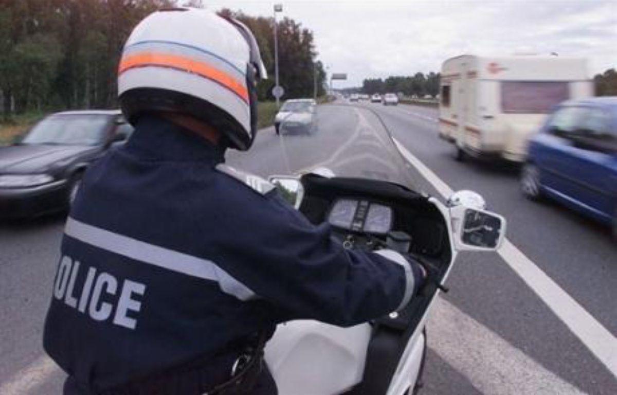 Un motard de police  lors d'un contrôle routier. Illustration. – Patrick Bernard AFP/Archives