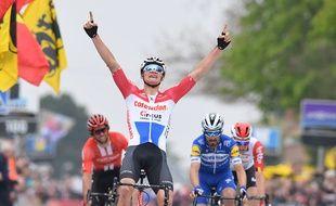 Van der Poel remporte l'Amstel Gold Race 2019.
