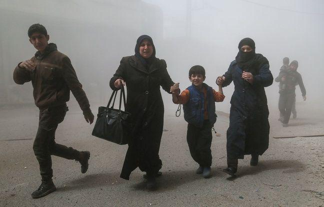 648x415 des syriens s enfuient apres des bombardements mardi 4 avril 2017 alors que l opposition syrienne
