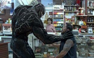 Venom Possédé par un symbiote qui agit de manière autonome, le journaliste Eddie Brock devient le protecteur létal Venom.