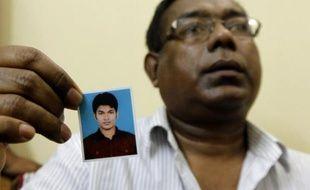 Un Bangladais soupçonné d'être lié à Al-Qaïda a été condamné à 30 ans de prison vendredi pour avoir voulu faire exploser une bombe devant la Réserve fédérale à New York en 2012, a indiqué la procureure de Brooklyn.