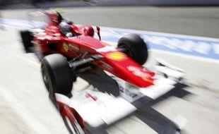 Le pilote espagnol de Ferrari, Fernando Alonso, lors des essais du Grand Prix de Monza, le 10 septembre 2010.