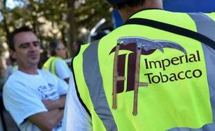 Employees of Seita Imperial Tobacco plant of Carquefou demonstrate in Nantes. Imperial Tobacco announced on april 15 the closure of the factory in Carquefou. Nantes september 12 2014./SALOM-GOMIS_salomgomis.06/Credit:SEBASTIEN SALOM-GOMIS/SIPA/1409121852