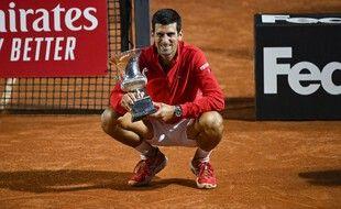 Djoko remporte le Masters 1000 de Rome à une semaine du début de Roland-Garros.