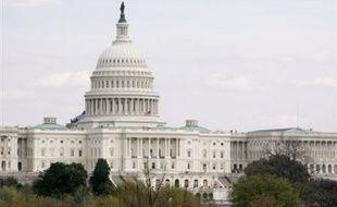 Les Etats-Unis auront sous peu une nouvelle loi codifiant les écoutes antiterroristes, après une adoption définitive par le Congrès qui a mis fin mercredi à une féroce bataille politique et idéologique sur les moyens de la lutte contre le terrorisme et le respect des libertés.