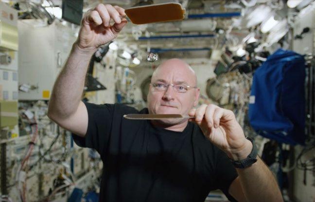 A bord de l'ISS, l'astronaute américain s'est offert une petite partie de ping-pong en apesanteur avec une balle en eau.