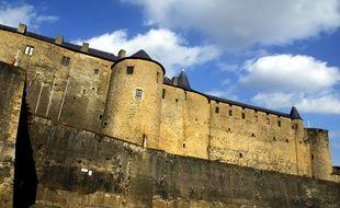Le corps de la quadragénaire a été retrouvé au pied du château fort de Sedan.