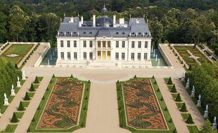 Illustration du château du XVIIe siècle achevée en 2012 à Louveciennes, dans les Yvelines.