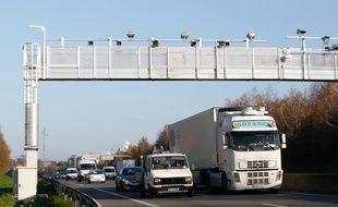 Les portiques écotaxe deviendront des portiques écobonus (illustration).